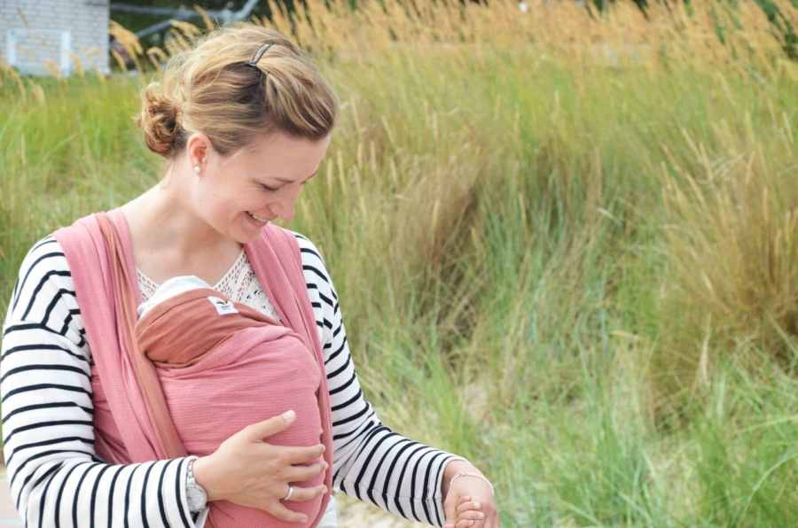 Babys tragen, Tragetuch, Mamanuka, Baby, Kleinkind, Geborgenheit, Nähe, Babytrage,