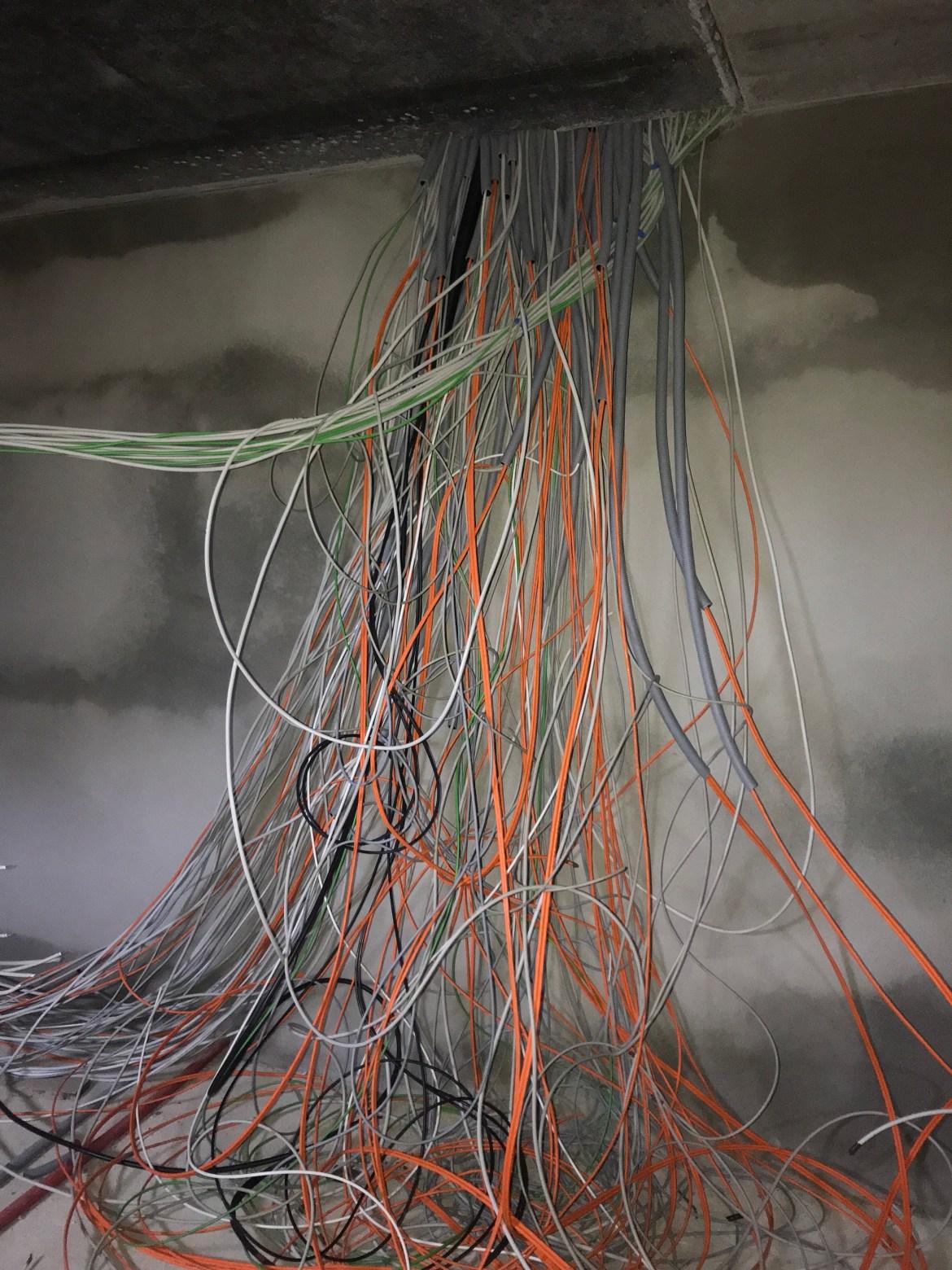 Sooo viele Kabel, wobei ich mit mehr KNX Kabeln gerechnet habe