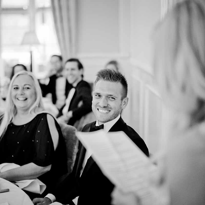 Bryllupsbillederne bliver professionelt billedbehandlet