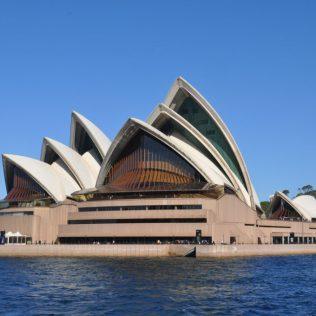 (C) Jule Reiselust: Oper von Sydney vom Wasser aus