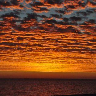 (C) Jule Reiselust: Fantastisxher Sonnenuntergang in Denham direkt am Seaview Caravanpark.