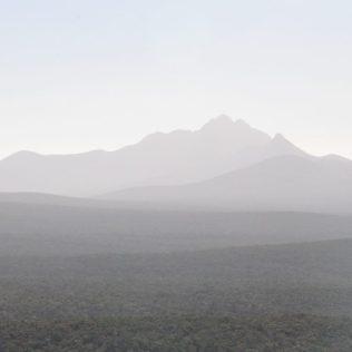 (C) Jule Reiselust: Blick auf die Stirling Range in der Abendsonne.