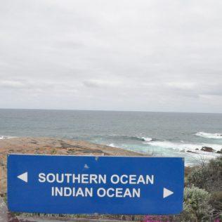 (C) Jule Reiselust: Am südlichsten Punkt der Westküste fließen der Southern Ocean und der Indian Ocean zusammen.