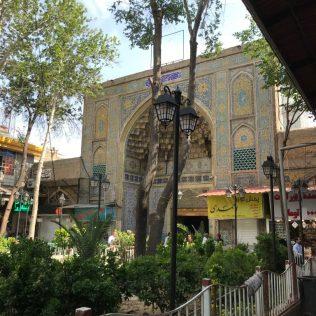 (C) Jule Reiselust: Moschee und Basar sind in orientalischen Städten eng miteinander verknüpft.