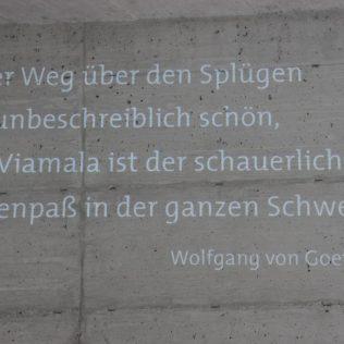 (C) Jule Reiselust: Goethe bereiste einst auf dem Weg nach Italien auch die Viamalschlucht und schrieb darüber....