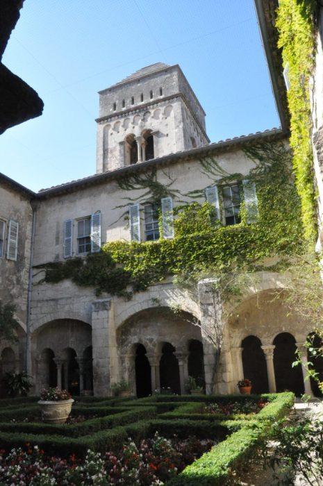 (C) Jule Reiselust: Das ehemalige Sanatorium Saint-Paul-de-Mausole.