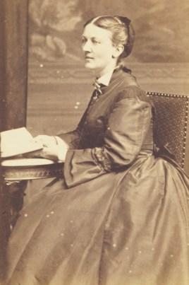 Severin Adrian Bojesens ældste datter, Olufa Bojesen, var gift med Hilmar Finsen.