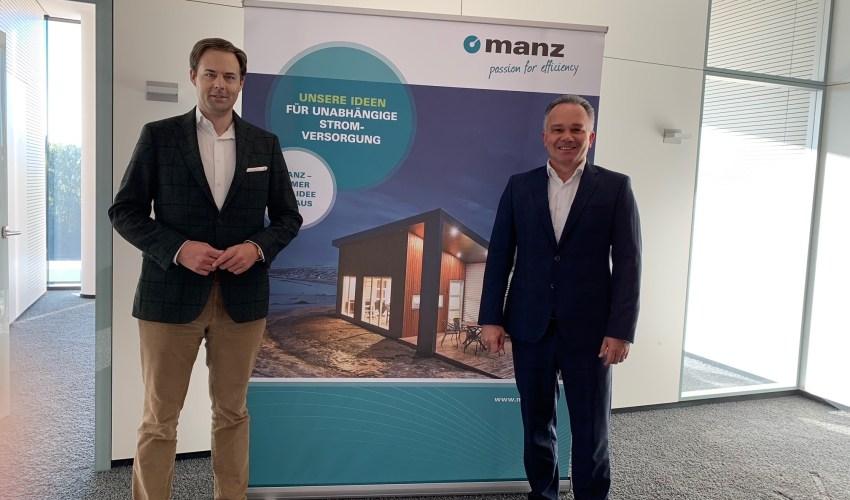 Dr. Marco Henry Neumueller mit Martin Drasch (MANZ AG)