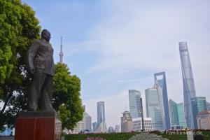 Shanghai - Willkommen in der Zukunft - Mao-Denkmal am Bund