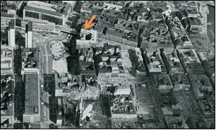 Malmskillnadsgatan 7 i 1967 innan fastigheten revs för byggandet av Sveriges Riksbank.