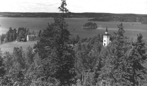 Blåviks Kyrka och skola.