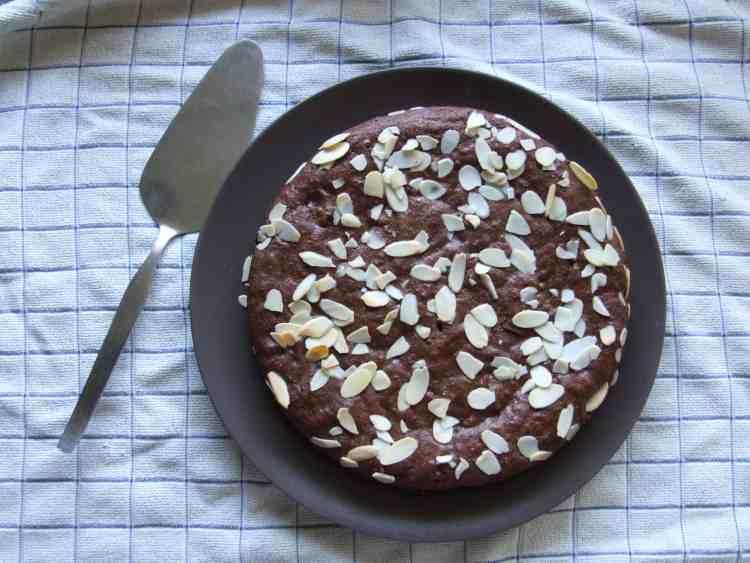 Flourless chocolate brownie cake.
