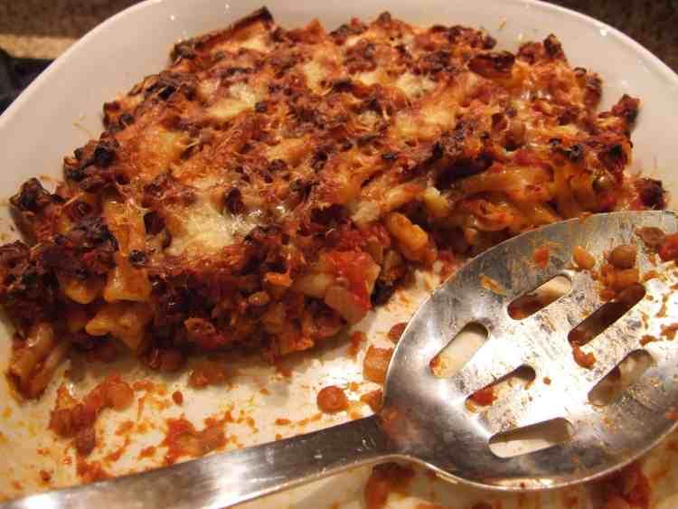 tomato & lentil pasta bake
