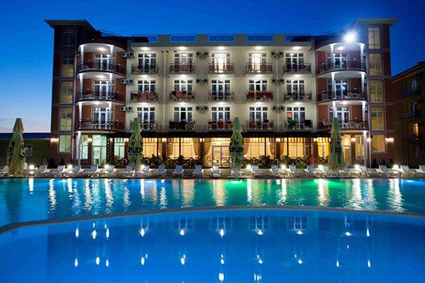 Отель Venera Resort*** внешний вид вечером