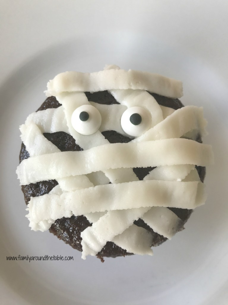 Mummy cupcakes are scary good!
