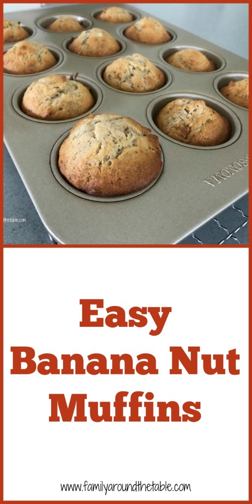 Easy banana nut muffins are the perfect grab and go breakfast or mid-morning snack with a cup of coffee. #FarmersMarketWeek