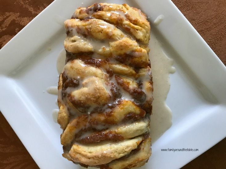 Easy Pumpkin Spice Pull-Apart Bread with Cinnamon Vanilla Glaze #PumpkinWeek