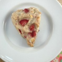 White Chocolate, Strawberry and Champagne Scones with Champagne Glaze