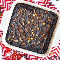 homemade gifts: caramel pecan brownie mix in a jar