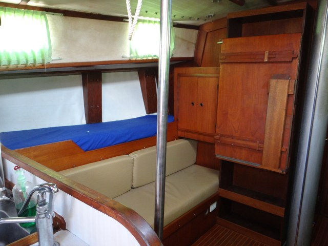 main-cabin-table-stowed-a