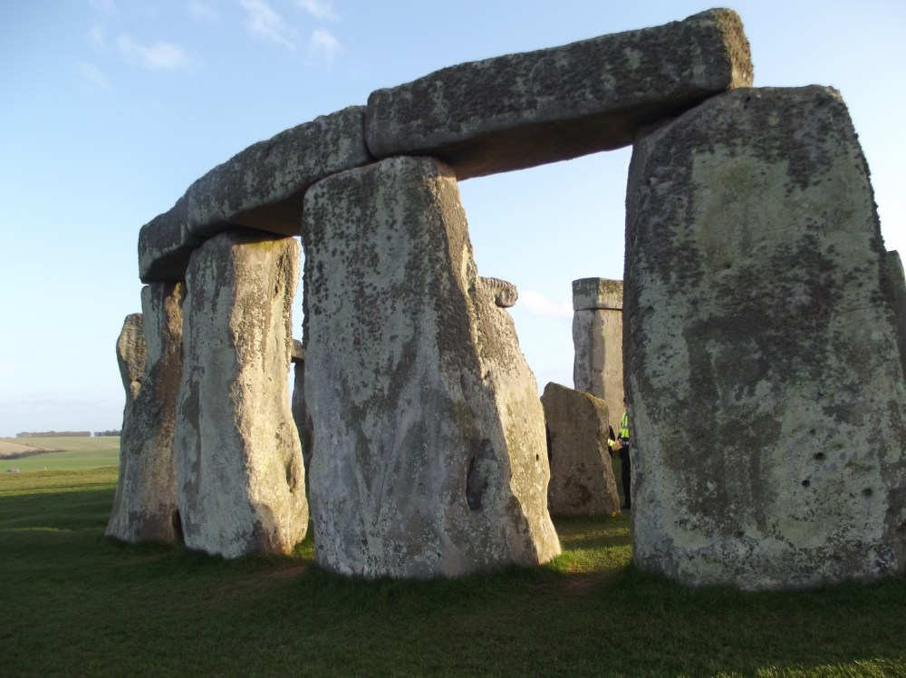 an introduction to the stonehenge and the facts about the mysterious site in england The evidence seems to suggest that stonehenge was a sacred area, people lived away from the site and came to worship in recent years more than bone fragments of 63 people have been discovered at stonehenge.