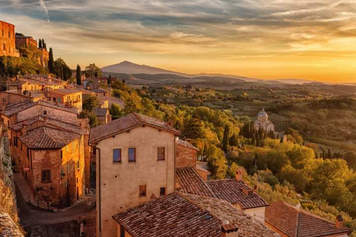 private-jet-to-tuscany-italy