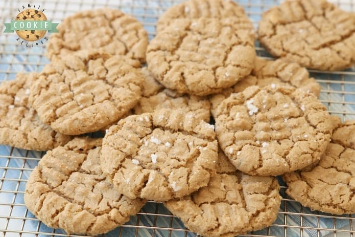 Easy Peanut Butter Cookies made with just a handful of ingredients and no flour! Easy peanut butter cookie recipe made with peanut butter, brown sugar, an egg and baking soda.