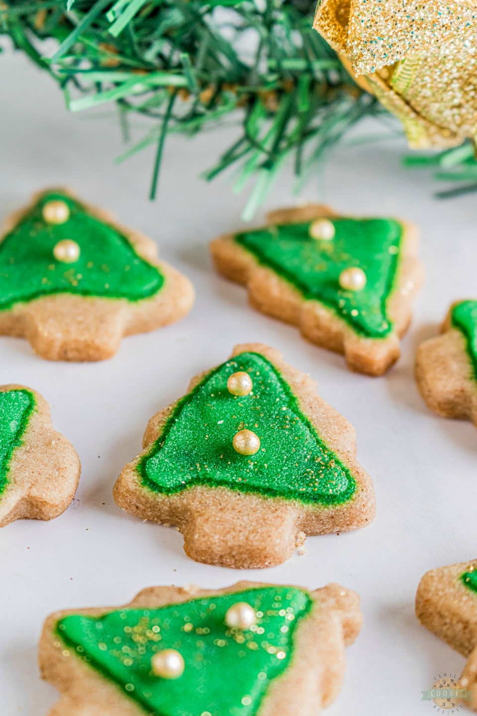 Spiced Christmas Shortbread Cookies