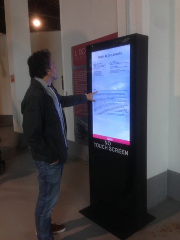 No Touch Screen