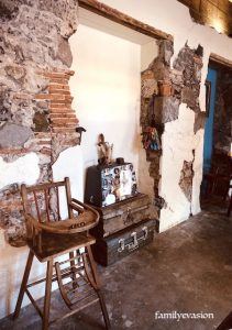 Chaise-bebe - galerie arts - saint-pierre