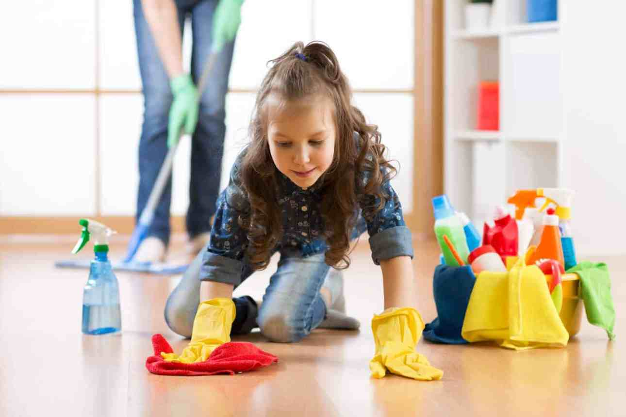Struggling to get your kids to do any housework? Trying this simple method to get your kids to do their chores without needing to nag! #parenting #momlife #organizing #household