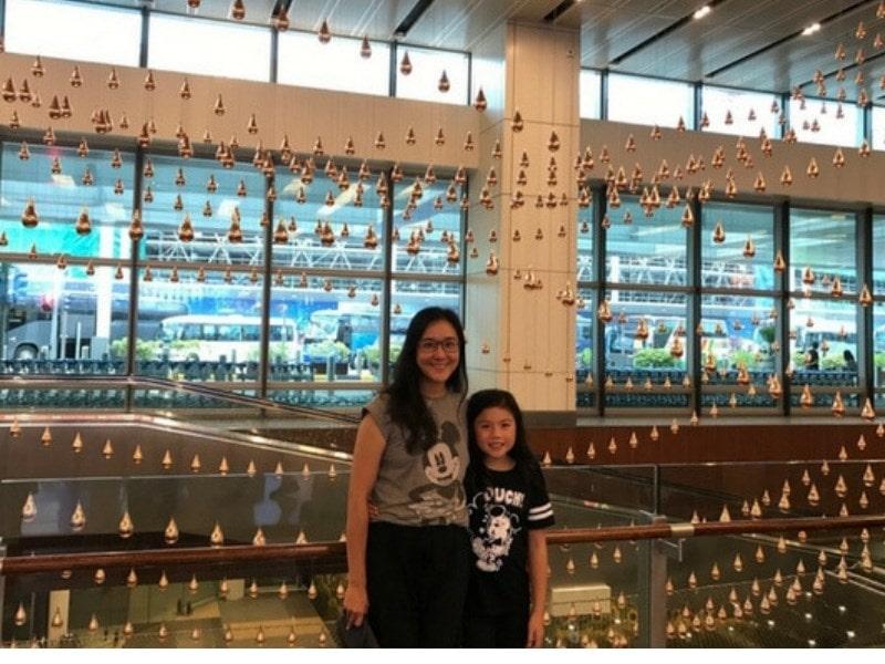 Kinetic rain Changi Airport Mother Daughter