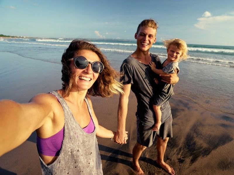 Best Family Selfie Soft Light Beach