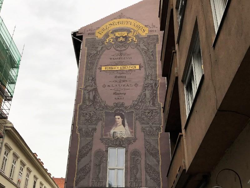 Queen Elisabeth Street art mural Budapest