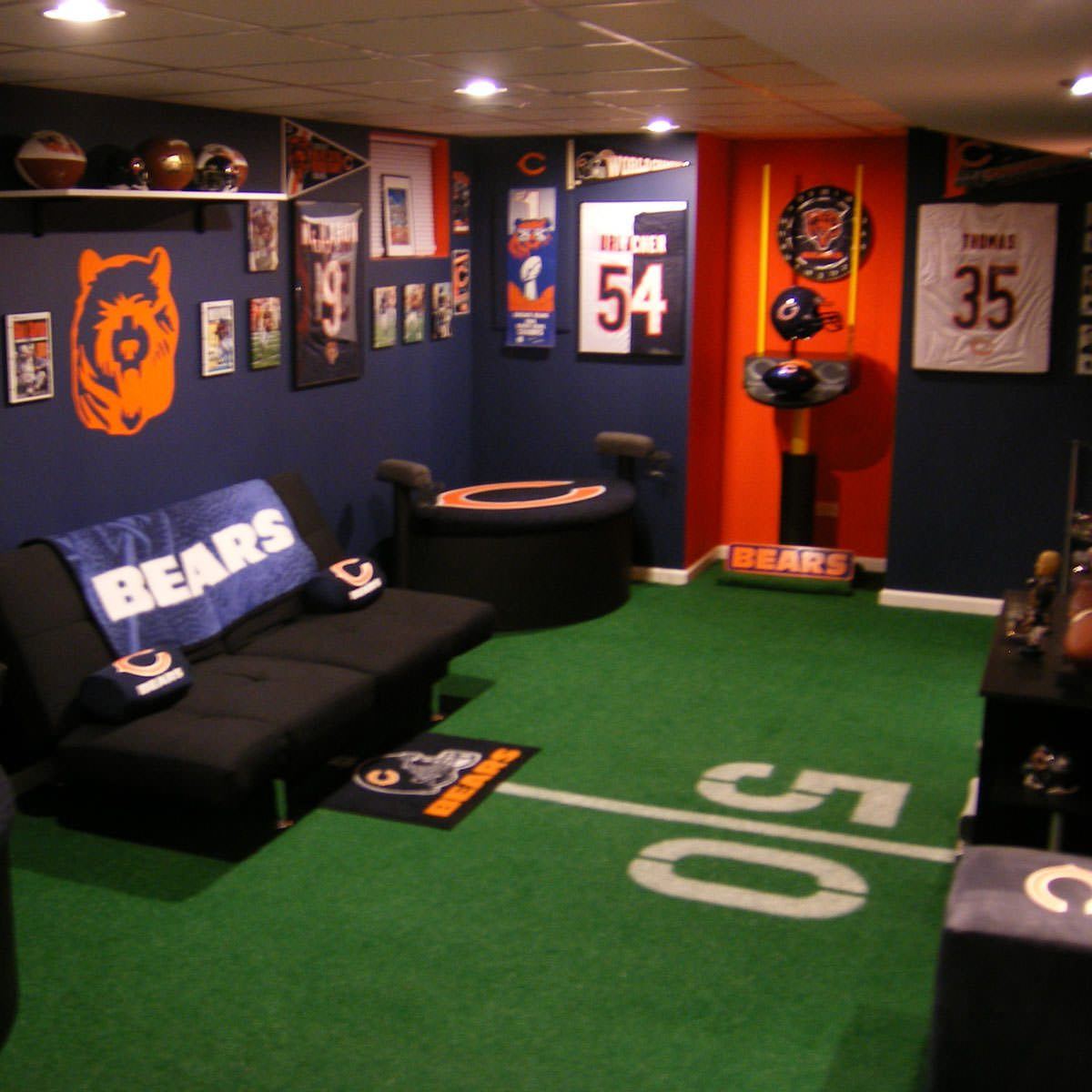 Gaming Chair For Big Guys 15 Awesome Man Cave Spaces For Watching The Big Game The