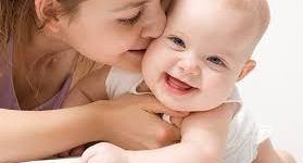 تقبيل الرضع قد يودي بحياتهم !