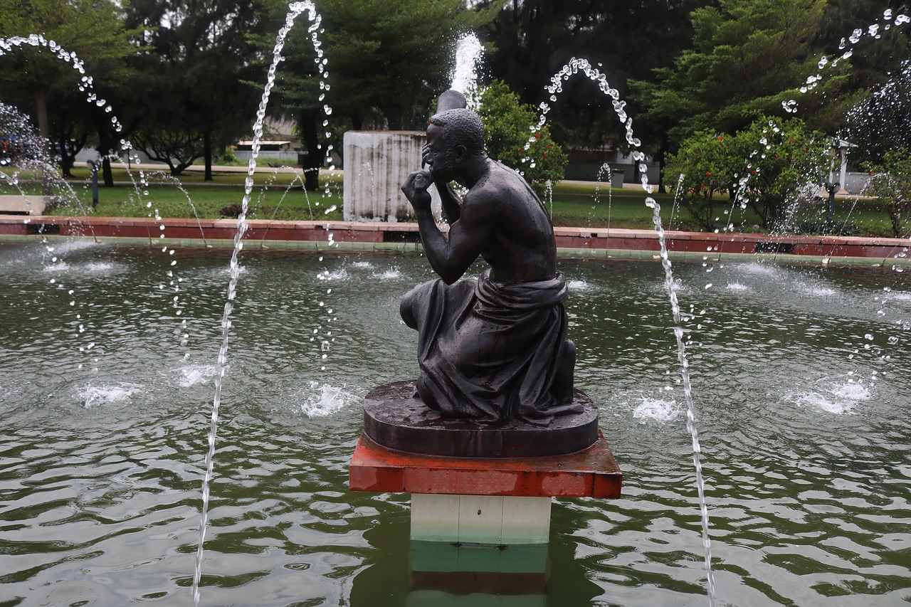 Heritage Travel Africa, Kwame Nkrumah Statue in Ghana