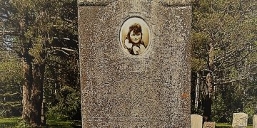 Need to Know Before Visiting a Cemetery to Find Your Ancestor's Gravesite