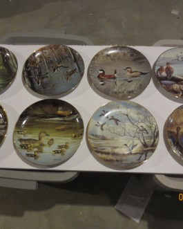 8 piece set Wonders of the Wetland collector's plates by Maynard Reece Danbury Mint Nip a