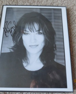 Authentic Autographed & framed Signed 8×10 photo Actress Katey Sagal