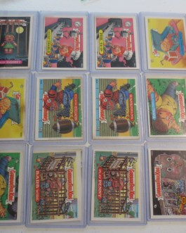 Vintage 1987 142 card lot Garbage pail kids mostly in top load holders nice
