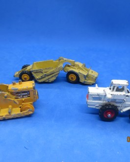 3 Vintage Universal products diecast Michigan Scraper Payloader & more