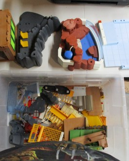 Huge lot Playmobil Floor Bases walls Mixed Parts & Pieces great condition