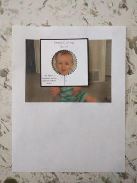 Photo cutting guide