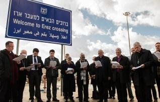 Bishops from around the world pray at the Gaza/Israel border