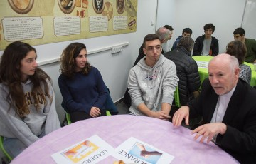 Bishops meet with students at Jewish School in Jerusalem