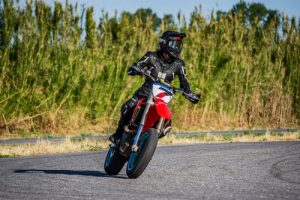 Moto école à Aubagne pour passer le permis A