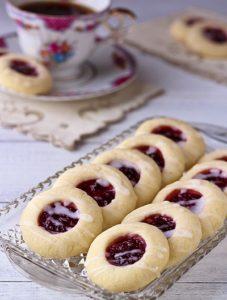 raspberry-shortbread-cookie_thumb2