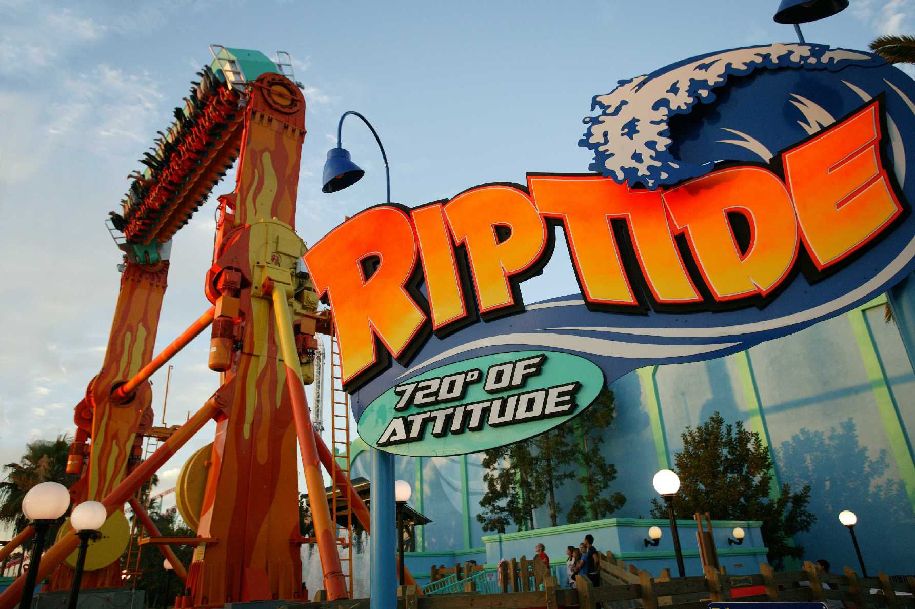 Party At Knott's Berry Farm On New Years Eve! - Family ...