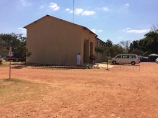 Das Verwaltungsgebäude der Base.